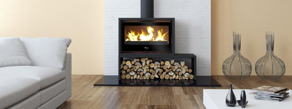 Lacunza 800 Freestanding closed combustion fireplace on bench